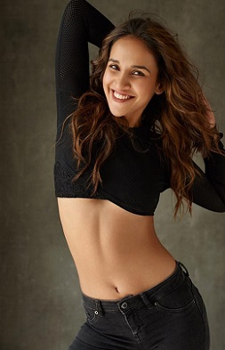 Aisha Sharma Tempting Poses
