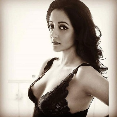 Viral@ Hot And Bold Beauty Raima Sen