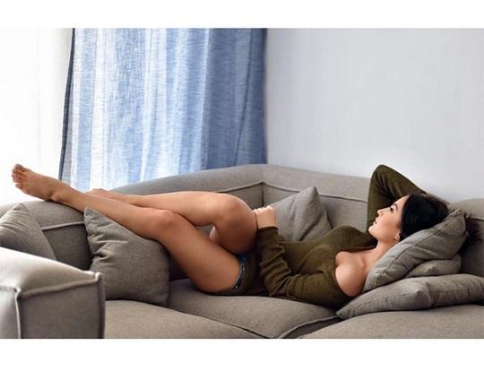 Sexy Elli Bold Pics Going Viral
